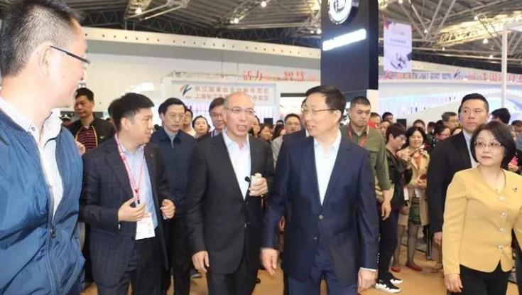 2017年4月21日,在第五届中国(上海)国际技术进出口交易会上,上海市市委书记韩正莅临国家技术转移东部中心展区指导工作